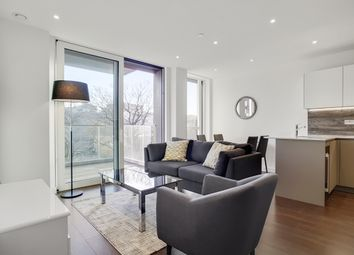 18 Woodberry Down, London N4. 1 bed flat