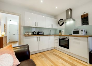 Thumbnail 1 bed flat to rent in Rosebery Road, London, London