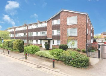 Thumbnail 2 bed flat to rent in Crakers Mead, Rosslyn Road, Watford