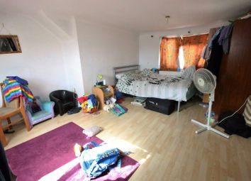 Thumbnail Studio to rent in Ellerdine Road, Hounslow