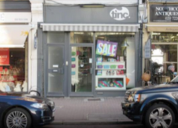 Retail premises to let in Battersea Park Road, London SW11