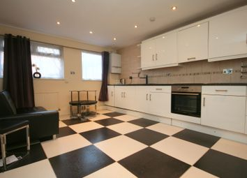 Thumbnail 2 bed flat to rent in Nicholson Street, London