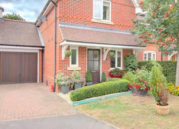 Hall Hurst Close, Loxwood, Billingshurst RH14. 2 bed semi-detached house