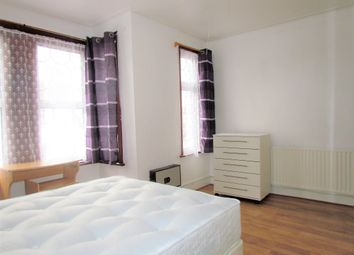 Thumbnail Room to rent in Winter Avenue, East London