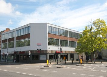 Thumbnail 1 bed flat for sale in Flat 18 Swan House, The Embankment, Bedford
