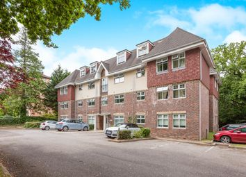 Thumbnail 2 bed flat for sale in Horsham Road, Crawley