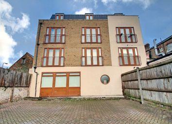 Thumbnail 2 bed flat to rent in Kirchen Road, Ealing