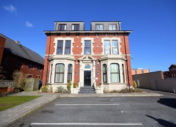 2 bed flat to rent in Park Road, Blackpool, Lancashire FY1
