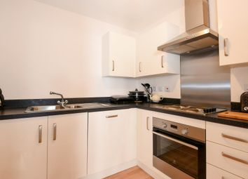 Thumbnail 2 bed flat for sale in Nr Town Centre, Aylesbury