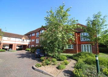 Thumbnail 2 bed flat to rent in Pangbourne Place, Pangbourne, Reading