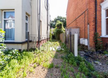Thumbnail 1 bed barn conversion for sale in Ramuz Drive, Westcliff-On-Sea