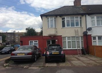 Thumbnail Property to rent in Oxford Close, London