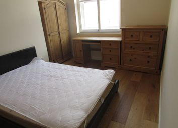Room to rent in Market Place, Huddersfield HD1