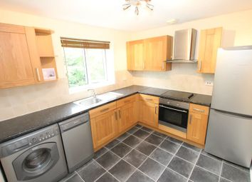 1 bed flat to rent in Knaves Hollow, Wooburn Moor, High Wycombe HP10