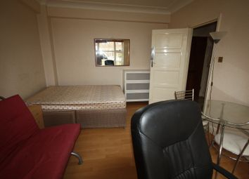 Thumbnail Studio to rent in Northways, College Crescent, London