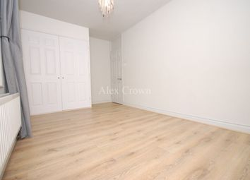 Thumbnail 4 bed flat to rent in Vicars Road, London