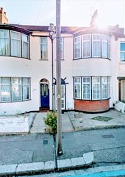 Thumbnail 4 bedroom shared accommodation to rent in Salisbury Avenue, Westcliff On Sea