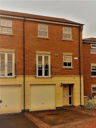 Thumbnail 4 bed town house to rent in Graffham Drive, Oakham