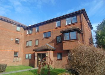 Thumbnail 2 bedroom flat for sale in Stevenage Road, Hitchin