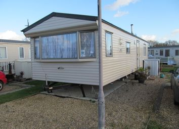 Thumbnail 2 bed mobile/park home for sale in Lakeside Leisure Park, Vinnetrow Road (Ref 5765), Chichester, West Sussex