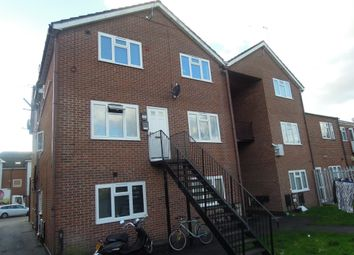 Thumbnail 2 bed flat to rent in Shirley Road, Southampton