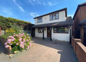 Albion Road, Benfleet SS7. 5 bed detached house