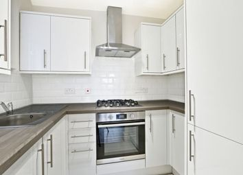 2 bed flat to rent in Bury Green Road, Cheshunt EN7