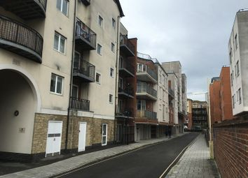 Thumbnail 1 bed flat to rent in Lower Canal Walk, Southampton City Centre, Southampton