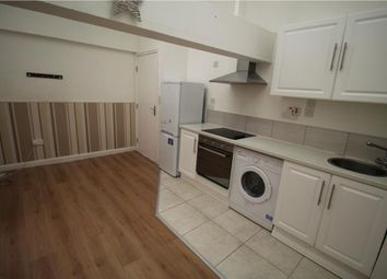 2 bed flat to rent in Hatherley Mews, Walthamstow, London E17