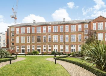 Thumbnail 3 bedroom flat for sale in Enfield Road, Haggerston