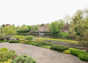 2 bed flat for sale in Kingfisher Meadow, Maidstone, Kent ME16