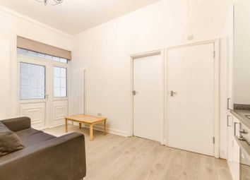 Thumbnail 1 bed flat to rent in Goswell Road, Clerkenwell, London EC1V7Hj