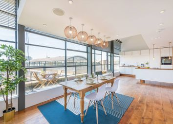 2 bed flat for sale in Chiswick Green Studios, Chiswick, London W4