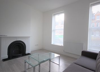 1 bed flat to rent in Ferme Park Road, Stroud Green, London N4