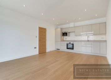 Thumbnail 3 bed flat to rent in Nether Street, London