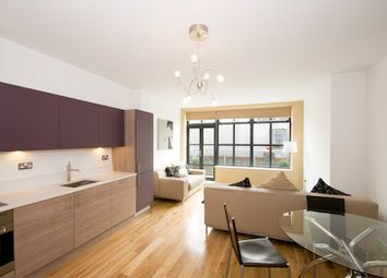 Thumbnail 3 bed flat to rent in Davenant Street, London