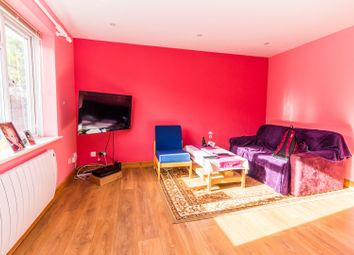Thumbnail 2 bedroom flat for sale in Groveland Place, Reading
