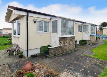 Thumbnail 2 bed mobile/park home for sale in Kingsmead, Thornlea Court, Littlehampton