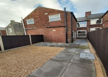 Thumbnail 2 bed property to rent in Hunloke Road, Chesterfield