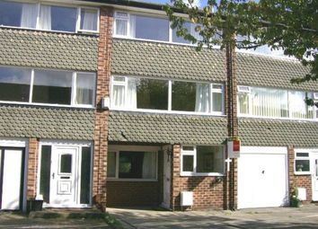 Thumbnail 4 bed town house to rent in 3 Fistral Ave, H/Grn
