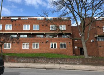 Thumbnail Flat for sale in Golderton, London