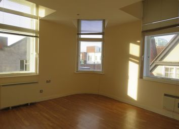 2 bed flat to rent in Fish Street, Northampton NN1