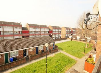 Thumbnail 3 bedroom flat to rent in Seabrooke Rise, Grays