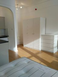 Thumbnail Studio to rent in Canfield Gardens, London