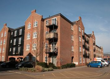 Thumbnail 1 bed flat to rent in Summers House, Coxhill Way, Aylesbury