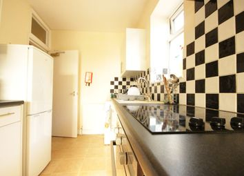 Thumbnail 3 bed flat to rent in Albert Avenue, Anlaby Road, Hull