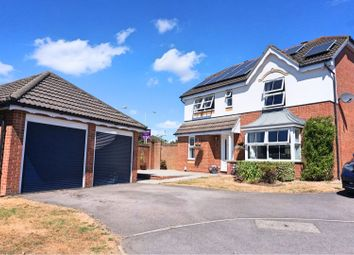 Thumbnail 4 bed detached house to rent in Scotney Crescent, Swindon