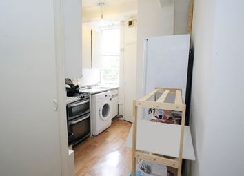 Thumbnail Room to rent in Walton House 15, Shoreditch