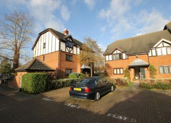 Thumbnail 1 bed flat to rent in High Street, West Molesey
