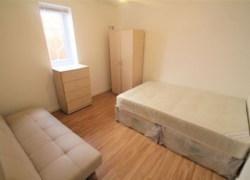 Thumbnail Room to rent in Corwell Lane, Uxbridge, Middlesex